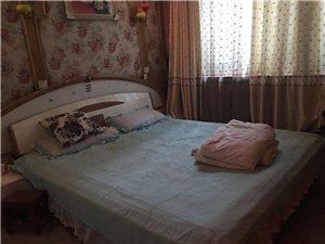 祥和二街独院5室 2厅 2卫1700元/月
