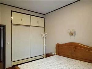 城南市场3室 2厅 2卫68.8万元