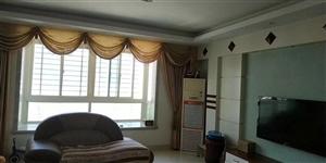 龙湖山庄4室 2厅 2卫130万元
