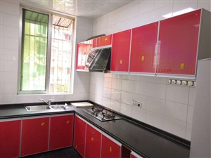 大道公寓3室 2厅 2卫62.8万元