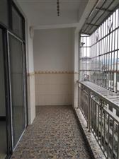 朝阳苑4室 2厅 2卫48万元