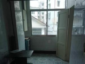 中山商城小区3室 1厅 1卫983元/月