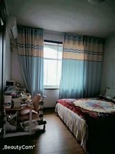 东大街4室 2厅 2卫1300元/月