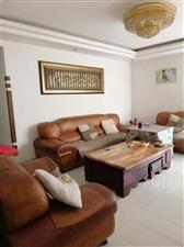 龙腾锦城3室 2厅 2卫85万元在黄金5楼