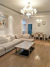 街心花园,旭升公寓三套二3楼,精装66.8万元