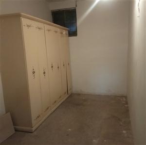 县政府2室 1厅 1卫750元/月