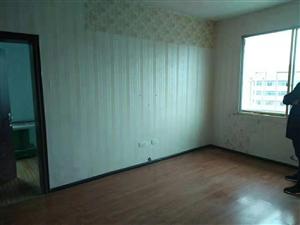 一小附近步梯三楼,77平米,三室一厅一厨一卫,简装