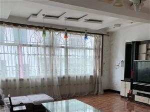 三中小区4室 2厅 2卫1200元/月