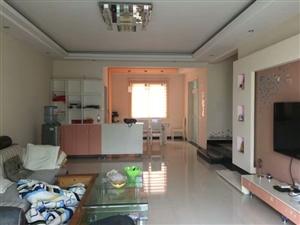领秀边城3室 2厅 2卫49.8万元