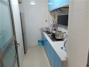 城北电梯学区房25楼2室 2厅 1卫60.8万元