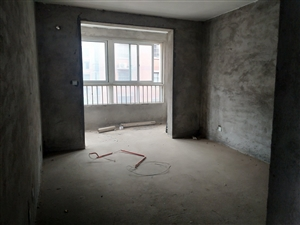 学府花园4室 2厅 2卫85万元