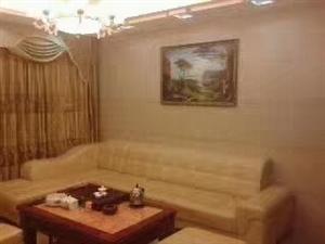 君悦华庭3室 2厅 2卫2400元/月