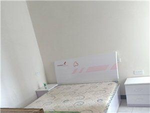 旭日华庭2室 2厅 1卫1400元/月