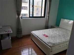 和家新苑B区3室 1厅 1卫1350元/月