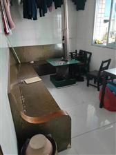 南江花园3室 2厅 1卫45.8万元