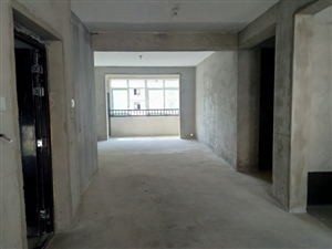 安粮电梯六楼3室 2厅 1卫77万元