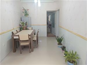 新区附近小区房龙景苑1楼4室 2厅 1卫44.8万元