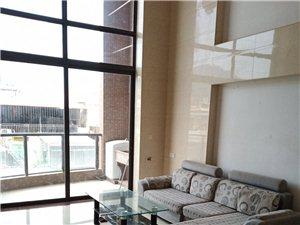 时代广场楼中楼3室 2厅 2卫2200元/月