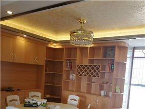 芳园新城3室 2厅 2卫75万元