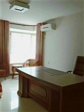 豪景新城3室 2厅 2卫136.8万元