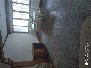 交通巷3室 1厅 1卫800元/月