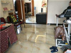 槐树路3室 2厅 2卫66万元