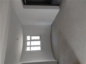 世纪鸿基6楼150平3室 带车位储藏室118万元