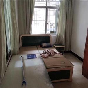 城中心套房3室 2厅 2卫76万元