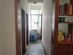 小十字附近2室 1厅 1卫33.8万元