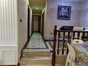 黄杨郡精装错层4室 2厅 2卫79.8万元