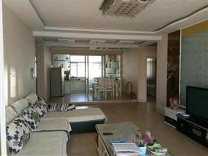 海岱南苑5楼136平3室 2厅 2卫116万元