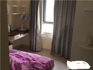 君悦华庭套房出售3室 2厅 2卫108万元