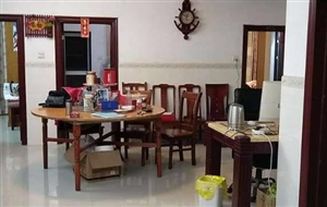 陆川裕兴小区4室 2厅 2卫48万元