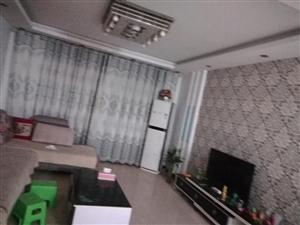 领秀清城3室 2厅 2卫1100元/月