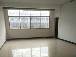 长征广场附近,4室2厅2卫,送杂间,76.8万