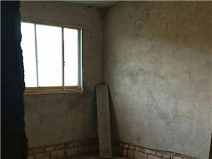 开阳县望城坡小区3室 2厅 1卫9.8万元