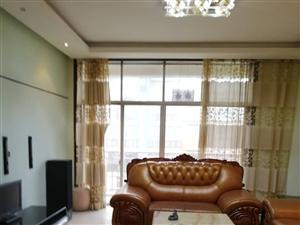 龙腾锦城136平米全新装修6楼相当于4楼