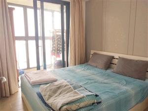 25度阳光高层1室 1厅 特价出租2600元/月