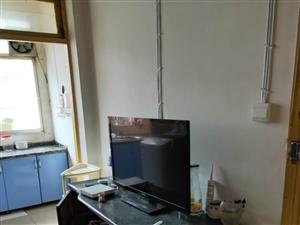 胜利西路3室 1厅 1卫7400元/月