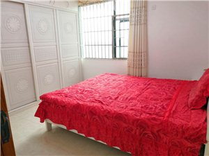 桃江御景4室 2厅 2卫112万元