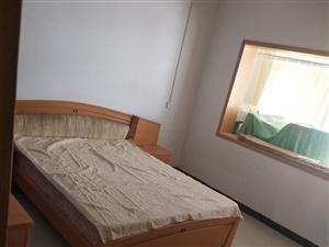 花洲实验学校附近2室 2厅 735元/月