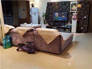 馨天地3室 2厅 2卫2500元/月
