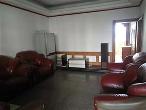 文化广场旁4楼3室 2厅 1卫700元/月