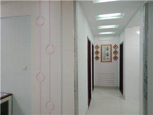 锦湖家园1楼105平精装带家具+空调1000元/月