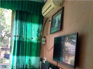 合江党政大楼对面2楼精装单间有卫生间500元/月