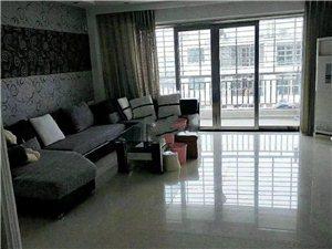 亿龙城市花园4室 2厅 3卫2500元/月