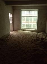 东江一号后面4室 2厅 2卫45万元