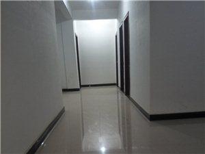 鑫贵名苑3室 2厅 2卫1200元/月