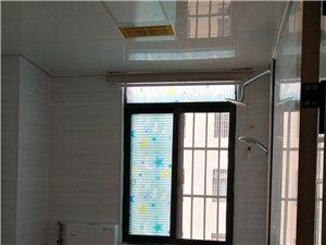 芳园新城电梯房中间楼层3室 2厅 2卫75万元