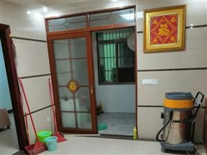 东江一号后面3室 2厅 2卫1800元/月